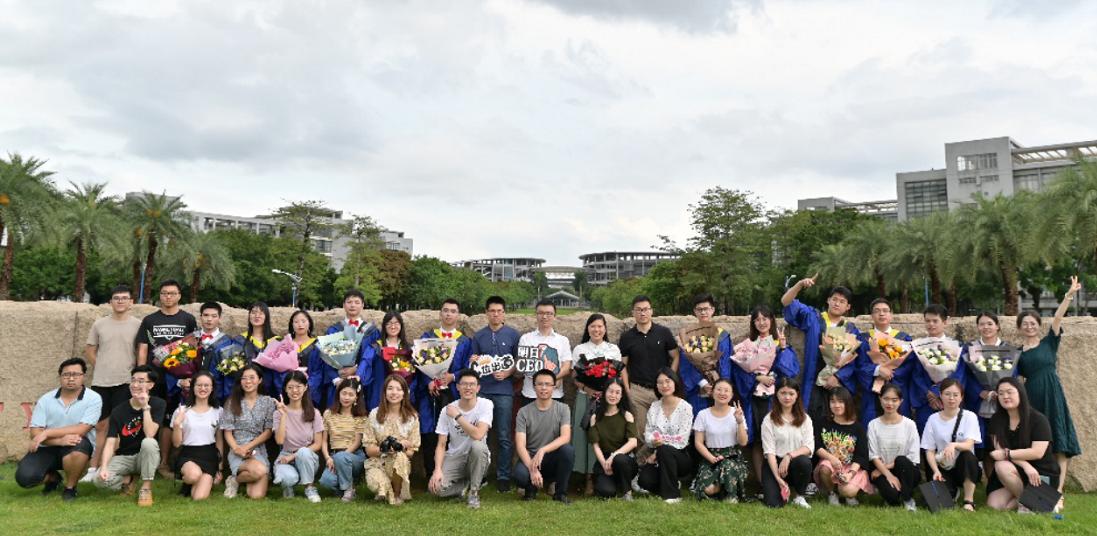 华南师范大学响应型材料及器件集成国际联合实验室赵威副研究员:液晶材料中的光聚合诱导分层